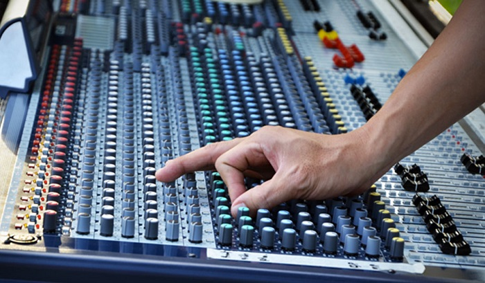 what does a music producer do 2 - Trouver un producteur